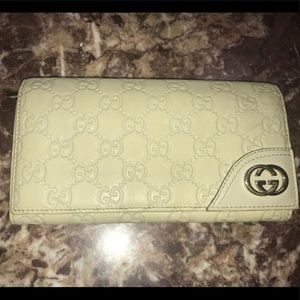 Authentic Gucci Guccissima white leather wallet